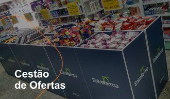 O cestão de ofertas ajuda a aumentar as vendas na farmácia, pois chama a atenção do consumidor para as promoções.