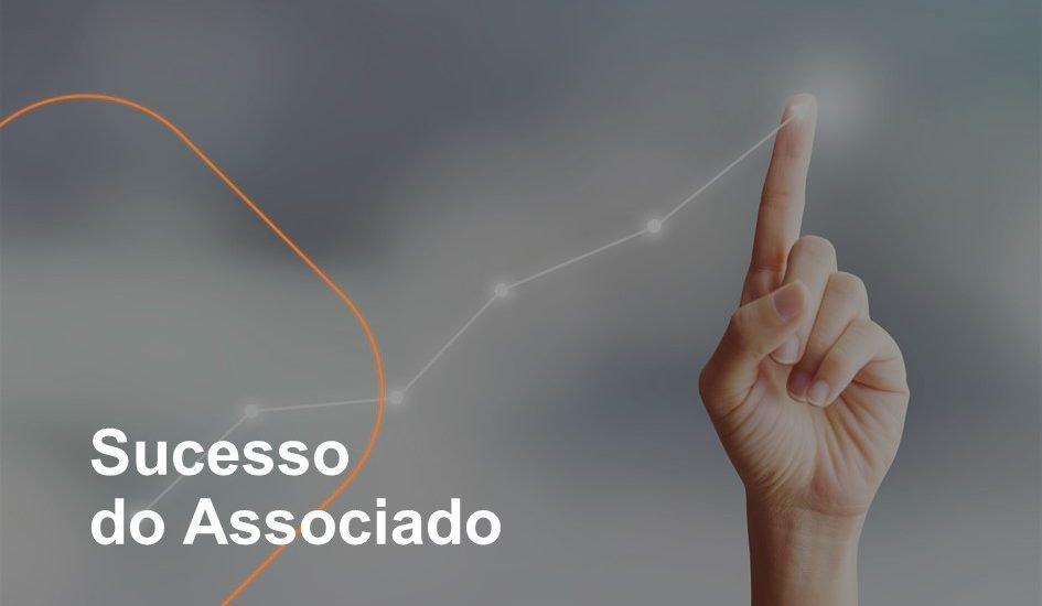 O sucesso do associado é muito importante para a Farmarcas. Pensando nisso, foi criada a gerência de sucesso do associado, cuja equipe trabalha para desenvolver a gestão de cada farmácia da rede.
