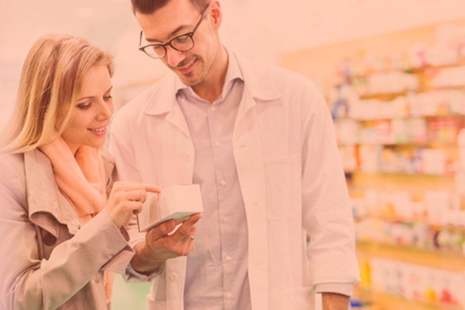Para gerar valor para o cliente da farmácia é preciso identificar diferenciais do seu negócio para se destacar da concorrência e conquistar mais clientes. Entre os fatores de sucesso estão a boa localização da drogaria, a escolha correta do mix de produtos e a qualidade no atendimento.